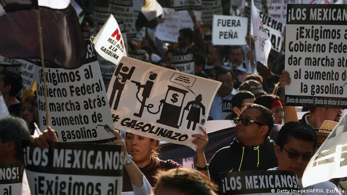 Mexiko Demonstrationen gegen Benzinpreise (Getty Images/AFP/A. Estrella)