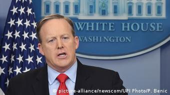 USA Weißes Haus - Sean Spicer (picture-alliance/newscom/UPI Photo/P. Benic)