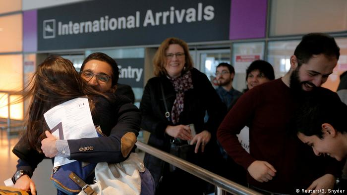 USA Boston Logan International Airport | Ankunft Reisende aus dem Iran (Reuters/B. Snyder)