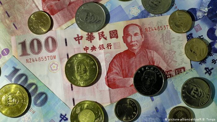 Taiwan Währung Dollar (picture-alliance/dpa/R.B. Tongo)