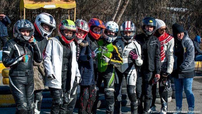 Iran Frauen Motorradmeisterschaft (Damun Pournemati/Hasan Shakoori)