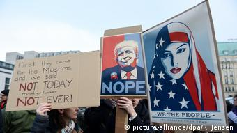 Demonstration gegen Trump in Berlin (picture-alliance/dpa/R. Jensen)