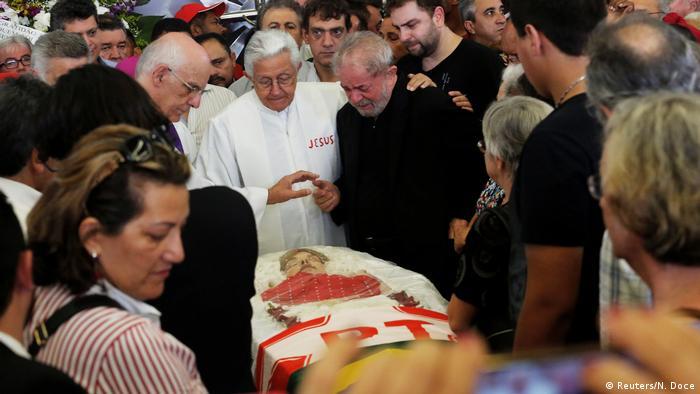 Brasilien Beerdigung, Trauer & Gedenken Marisa Leticia, Ehefrau Ex-Präsident Lula da Silva (Reuters/N. Doce)