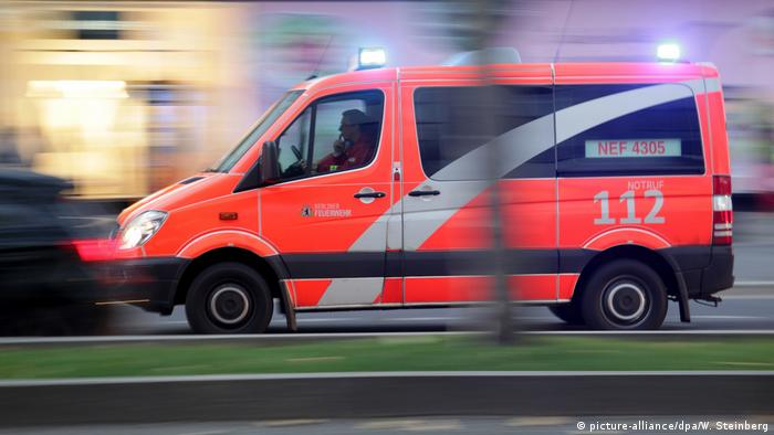 German ambulance (picture-alliance/dpa/W. Steinberg)