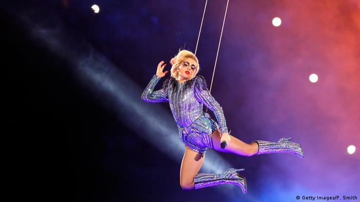 Super Bowl LI Halftime Show Lady Gaga (Getty Images/P. Smith)