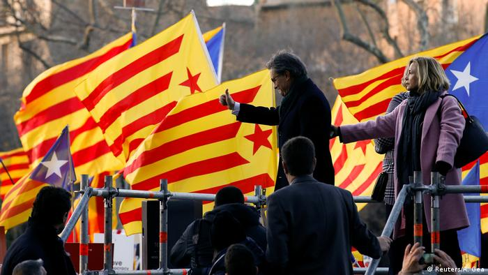 Spanien Artur Mas Ankunft zum Gerichtsprozess in Barcelona (Reuters/A. Gea)
