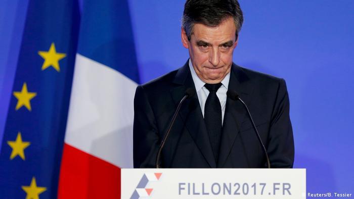 Frankreich PK Francois Fillon (Reuters/B. Tessier)