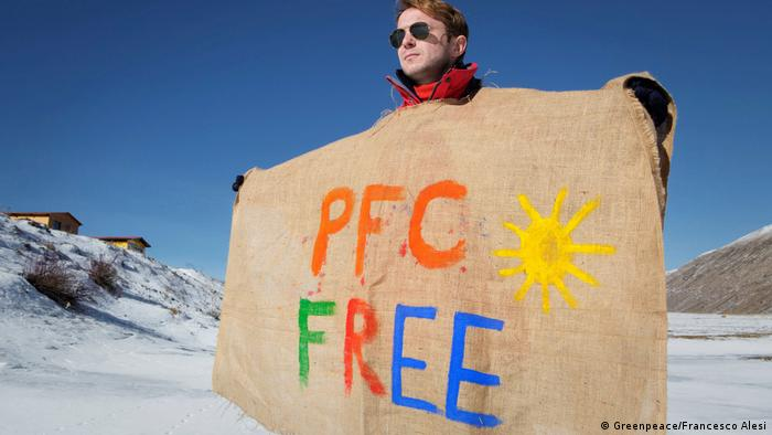 Greenpeace - PFC - Outdoorbekleidung (Greenpeace/Francesco Alesi)