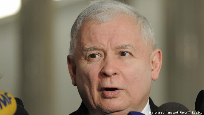 Polen Jaroslaw Kaczynski in Warschau (picture-alliance/AP Photo/A. Keplicz)