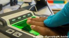 Registrierung von Flüchtlingen Fingerabdruck