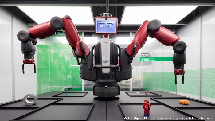 Baxter at the Robots exhibition, Science Museum in London (Plastiques Photography, courtesy of the Science Museum)
