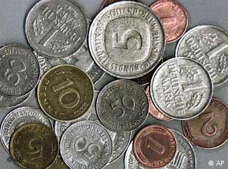 As moedas do marco alemão e dos fênigues, seus centavos