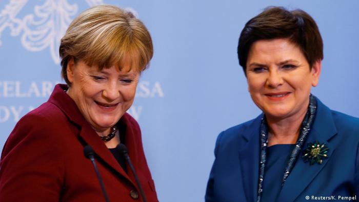 Канцлерка Німеччини Анґела Меркель (л) та прем'єрка Польщі Беата Шидло (фото з архіву)