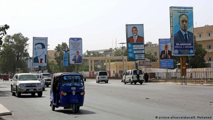 Somalia Wahlen - Plakate in Mogadischu (picture-alliance/abaca/S. Mohamed)