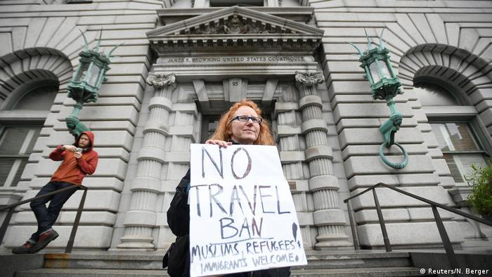 USA Protestieriende vor dem 9. US Berufungsgericht in San Francisco (Reuters/N. Berger)