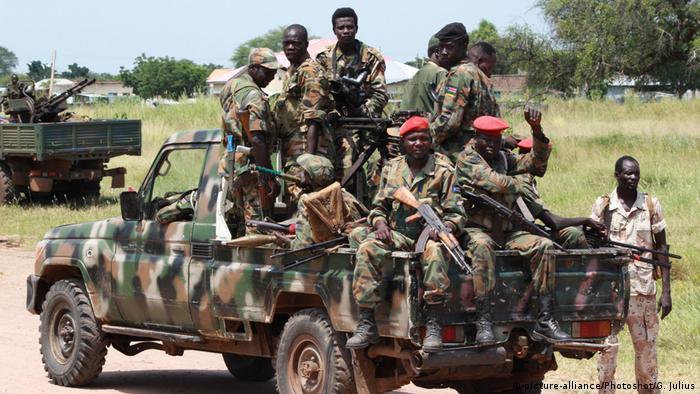 Soldados sul-sudaneses em patrulha na cidade de Malakal (2016)