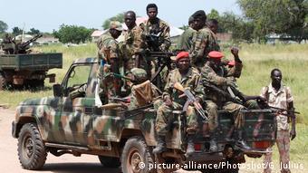 Südsudan Malakal - Soldaten auf Truck