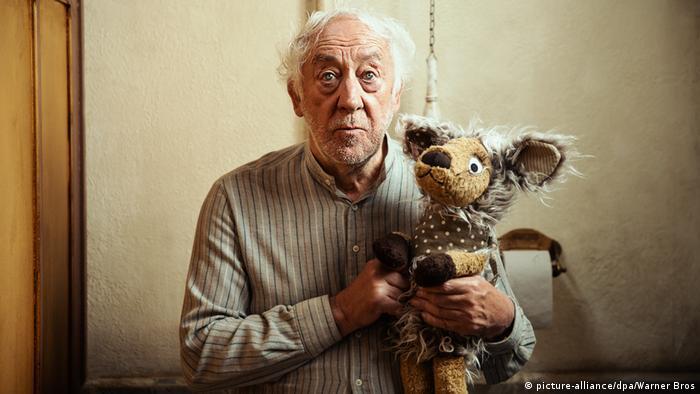 Film still - Honig im Kopf - an old man with a teddy bear (picture-alliance/dpa/Warner Bros)