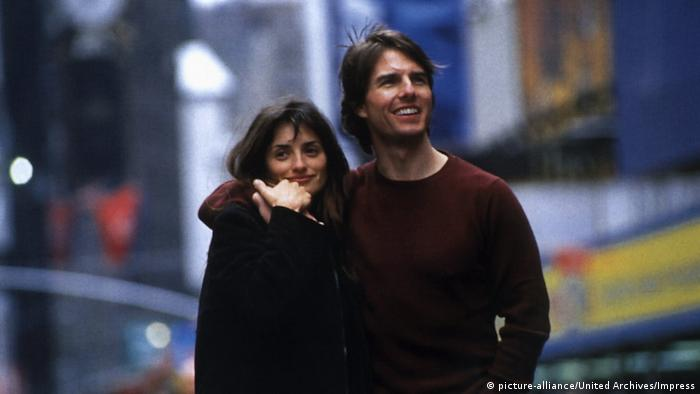 Film still from Vanilla Sky with Penelope Cruz and Tom Cruise as a smiling couple