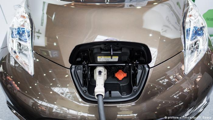 Україна сподівається заохотити автолюбителів купувати електроавтомобілі