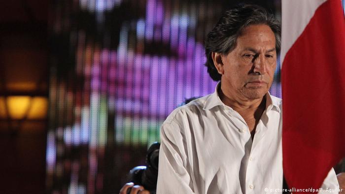 El abogado del expresidente Alejandro Toledo (2001-2006), Paolo Aldea, recomendó a su defendido no regresar al Perú, mientras se apela la prisión preventiva dictada por supuesta recepción de un soborno de Odebrecht. 10.02.2017