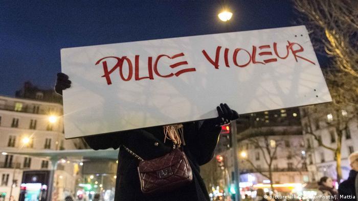 Paris Demonstrationen und Gewalt nach Übergriff auf Theo (picture-alliance/NurPhoto/J. Mattia)