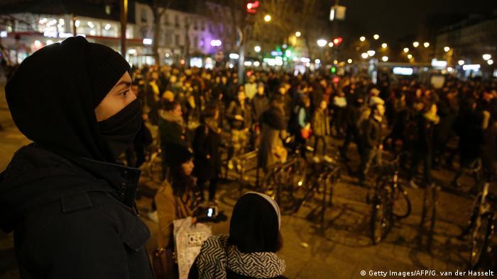 Paris Demonstrationen und Gewalt nach Übergriff auf Theo (Getty Images/AFP/G. van der Hasselt)