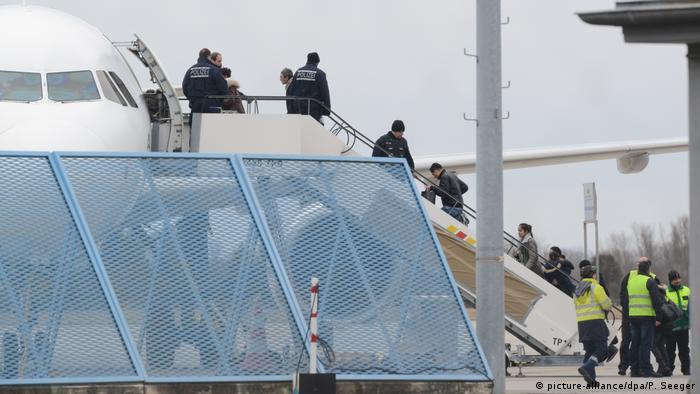 Высылка беженцев из Германии