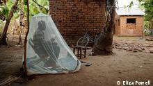 Tansania Menschlicher Köder unterm Moskitonetz
