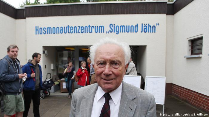 Sigmund Jähn, DDR-Kosmonaut | Kosmonautenzentrum Sigmund Jähn (picture-alliance/dpa/S. Willnow)