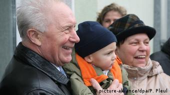 Зигмунд Йен с семьей