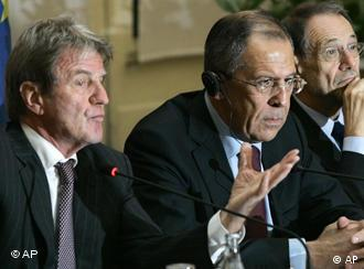French Foreign Minister Bernard Kouchner, left, Russian Foreign Minister Segey Lavrov