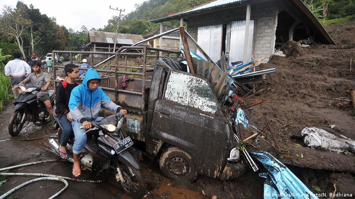 Indonesien Erdrutsch in Bali (Reuters/Antara Foto/N. Budhiana)