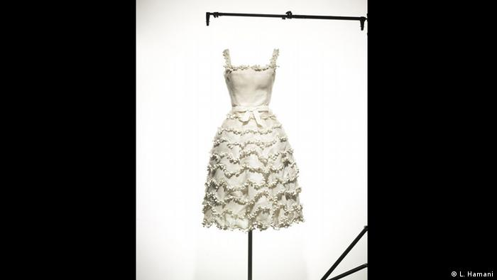 BG Christian Dior: New Look   1957 Young, fresh, and new (L. Hamani)