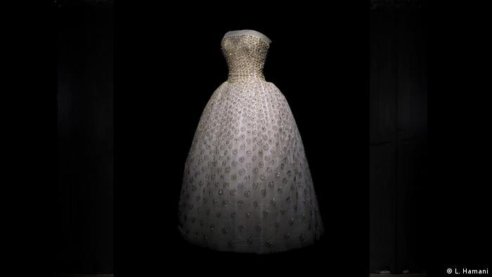 BG Christian Dior: New Look | 1954 Dior among socialites (L. Hamani)