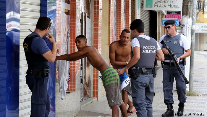 Brasilien Espirito Santo Polizei Streik Gewalt (Reuters/P. Whitaker)