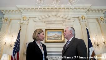 Washington Rex Tillerson empfängt Federica Mogherini (picture alliance/AP Images/A. Harnik)