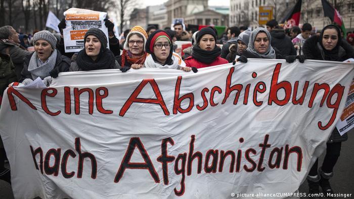 Almanya'dan sınır dışı edilen göçmen intihar etti