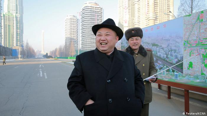 Nordkorea Diktator Kim Jong-un | Baustelle (Reuters/KCNA)