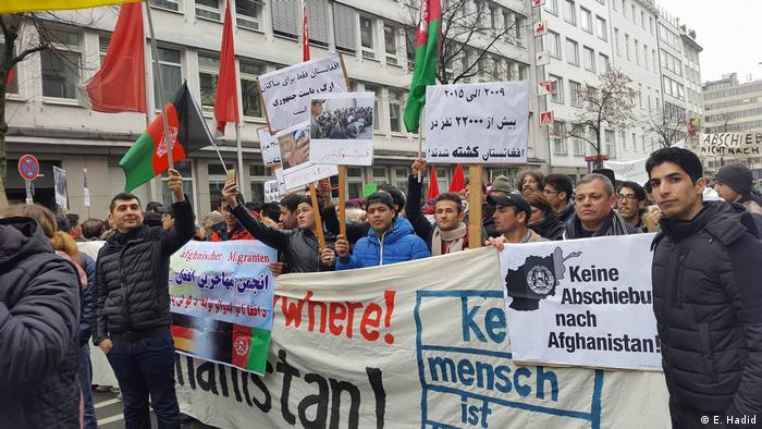 Deutschland - Proteste in Köln und Düsseldorf gegen die Deportation nach Afghanistan