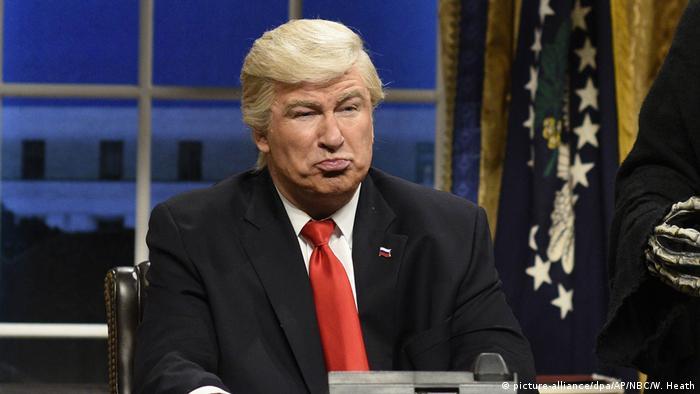 USA   Alec Baldwin als Donald Trump in der Satireshow Saturday Night Live (picture-alliance/dpa/AP/NBC/W. Heath)