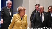 Seehofer, Merkel and Schulz (picture-alliance/dpa/G. Fischer)