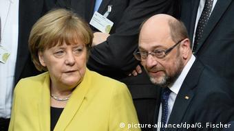 Berlin Bundespräsidentenwahl Merkel Schulz (picture-alliance/dpa/G. Fischer)