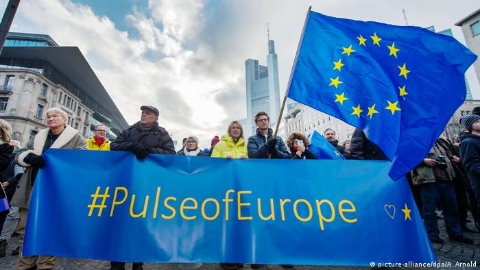 Initiative Pulse of Europe (picture-alliance/dpa/A. Arnold)