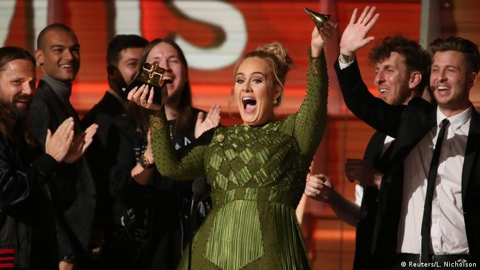 Adele at the Grammy Awards 2017 (Reuters/L. Nicholson)
