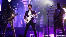 USA Grammy Awards 2017 | Bruno Mars - Tribute to Prince