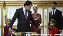 12.02.2017+++ ASHGABAT, TURKMENISTAN - FEBRUARY 12, 2017: Turkmenistan's President Gurbanguly Berdimuhamedow votes in the 2017 presidential election at a polling station. Valery Sharifulin/TASS |
