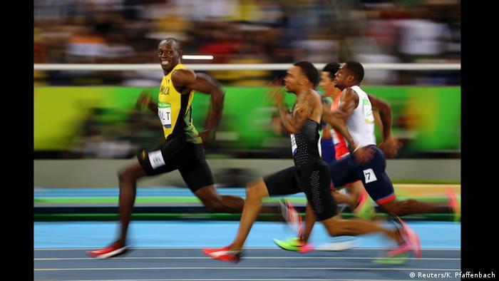 Німецький фотограф Кай Олівер Пфаффенбах (Kai Oliver Pfaffenbach) відзняв фінал стометрівки на Олімпійських іграх в Ріо-де-Жанейро. Категорія Спорт. Третє місце.