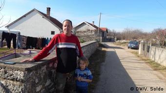 Bosnien und Herzegowina Capljina - Dzevad Pezo, der bosniakischer Rückkehrer in Stanojevici