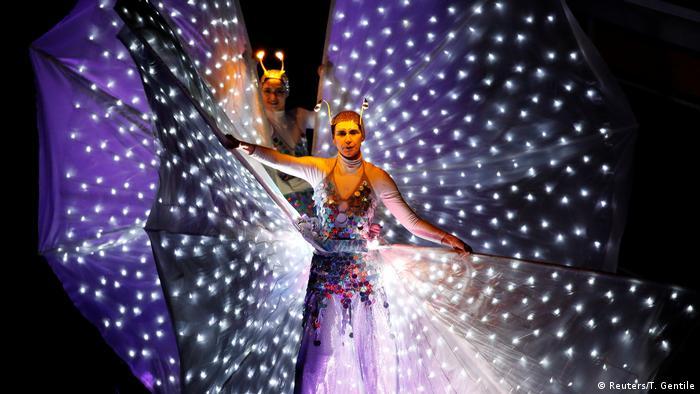 Italien Venedig - Karneval (Reuters/T. Gentile)